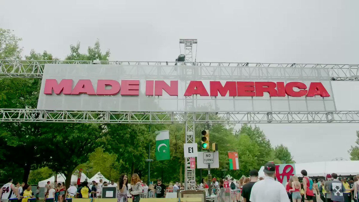 Congrats to @Ciroc for showing up Big at #madeinamerica festival. #cirocthesummer.   #ad https://t.co/5fOqnZXBdS