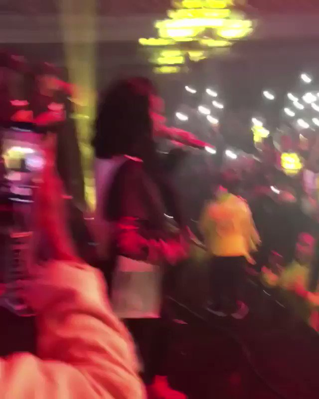 RT @TeamKanyeDaily: Kanye living his best life on stage at @TEYANATAYLOR's concert tonight. ???????? https://t.co/b7j6iGf7xn