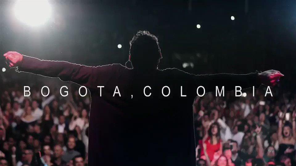 Gracias Bogotá por tantas demostraciones de cariño. #LegacyTour #EstoSigue   Video by @lensrevolution https://t.co/b44DRjQ3E1