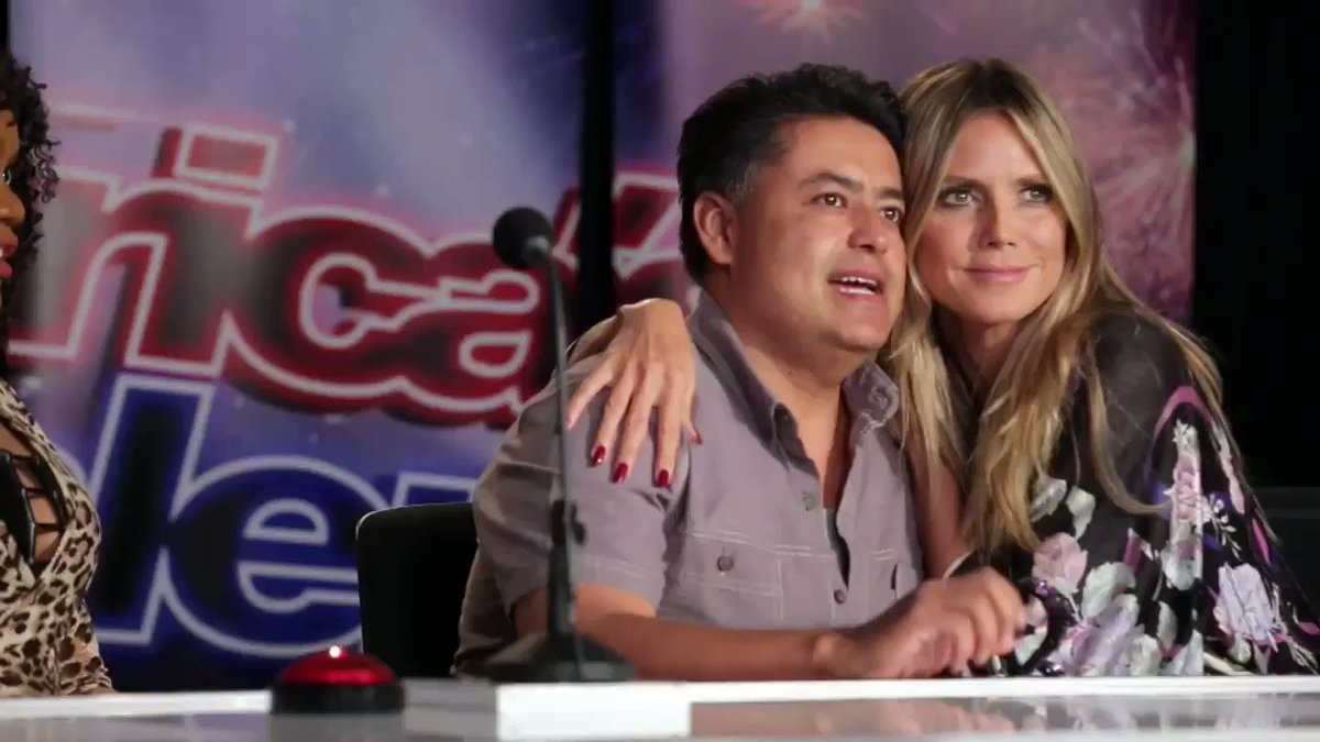 (2 of 2) Will the real Heidi Klum please stand up. #AGT https://t.co/msbRzE9XR6