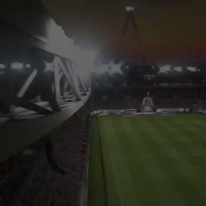 Let's go! Download the demo now ????https://t.co/SvXGmVj0J4 #FIFA19 @EASPORTSFIFA https://t.co/bTxOAdmUzw