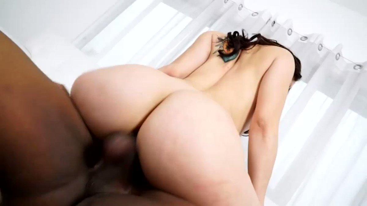 RT : Big Booty Babe Rides 's Big Black Cock hUhz8kXyVv