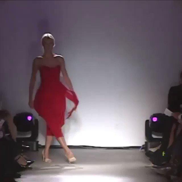 Fashion week 2004 @Zac_Posen ❤️ https://t.co/ueQNNa3HM3