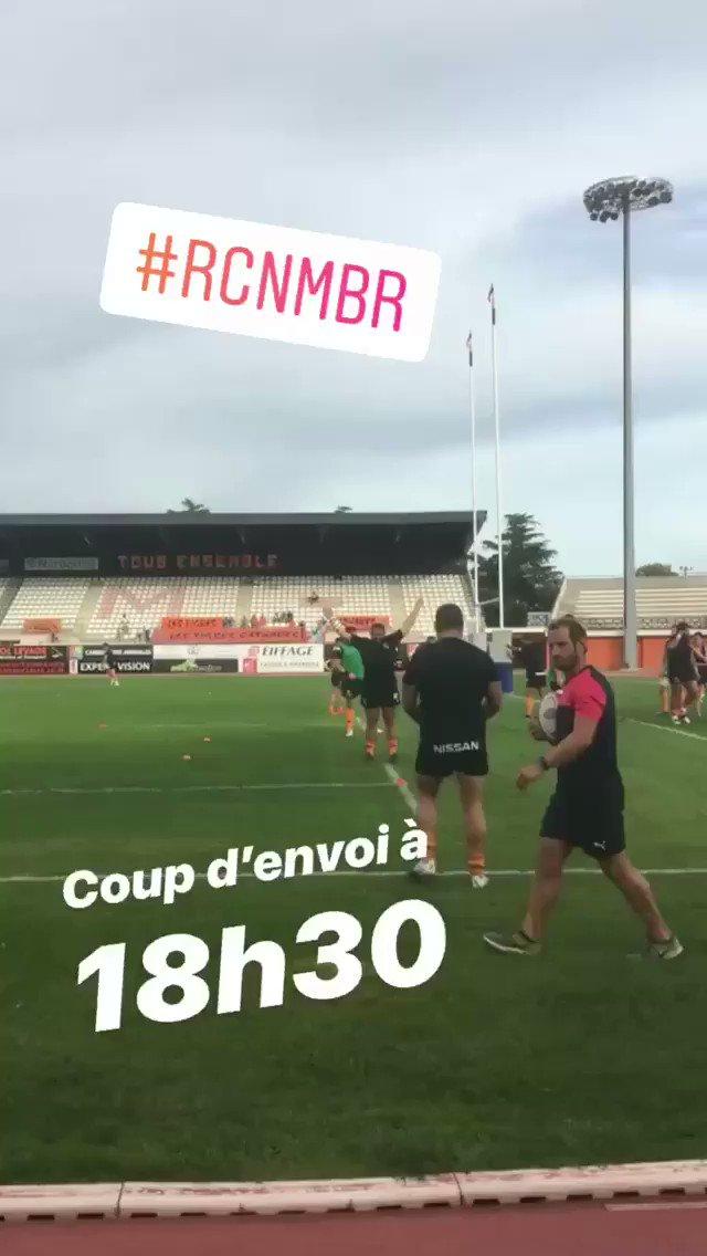 #RCNMBR   Les joueurs sont à l'échauffement !!!🧡🖤💪🏼 #Narbonne #RCNM...