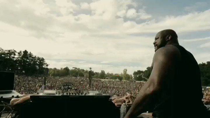 RT @lost_lands: Thank you @SHAQ for coming out to Lost Lands as our special guest! ???????? #LostLands2018 https://t.co/XVNVriGMT6