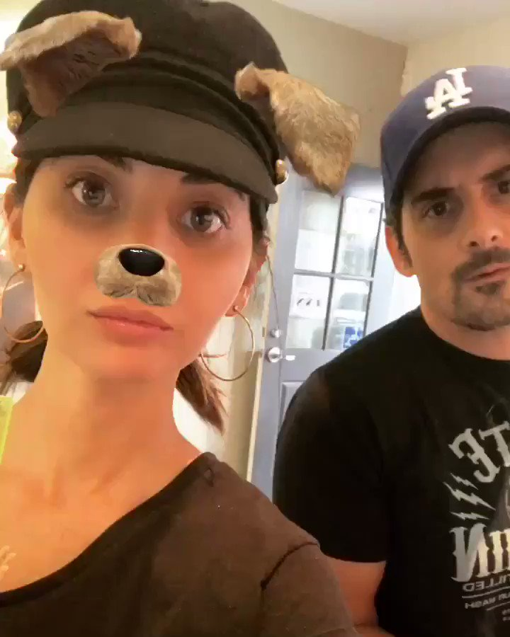 Me and @Kimwilliamspais found us a country dog ???????????? @BradPaisley #AdoptDontShop https://t.co/vZryvSlLTK