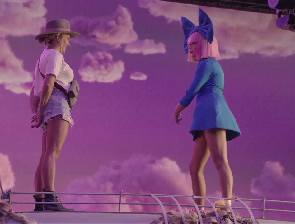 Going behind the scenes of the #LSD Thunderclouds video ????⚡️⛈ @labrinth @diplo https://t.co/R4MgI0WoFs - Team Sia https://t.co/fnDD4OXhO6