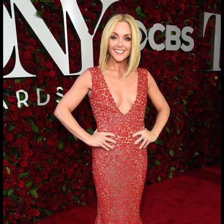 Happy 50th birthday to winner Jane Krakowski!