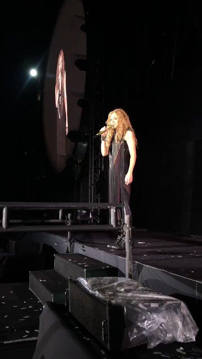 Tu ❤️ #ShakiraGuadalajara. ShakHQ https://t.co/0pcTqkebT1