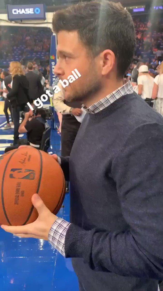 I got a ball!!! @nyknicks https://t.co/XtjgKcauCg