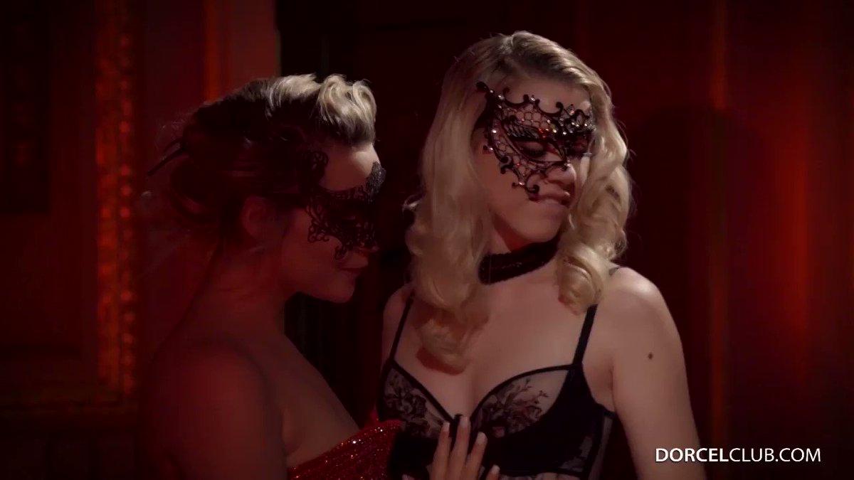 Jouez à plusieurs ! #SexGames  9MNCja3qZV  & &  #DorcelClub