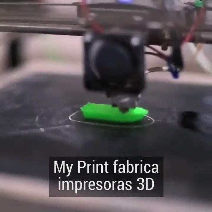 FELICITACIONES!!! 👏👏👏Con 23 años Emanuel de Jujuy, fabricó una impresora solo con materiales reciclados. Ya sumo 6 empleados, producen impresoras con materiales plásticos hechos a base de caña de azúcar. Venden impresoras en el país y ya exporta también a Bolivia. https://t.co/yiGQCEKCnx