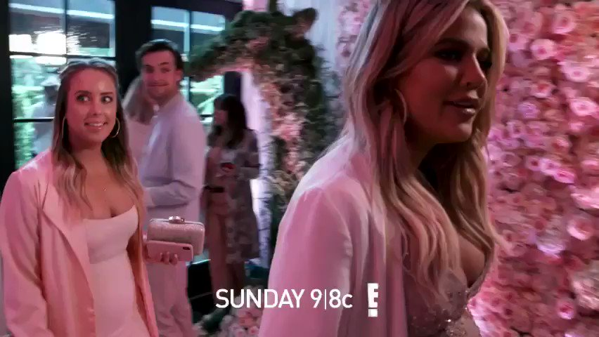 Tonight on Keeping Up with the Kardashians ???? #KUWTK https://t.co/OUD7Pr2jWQ