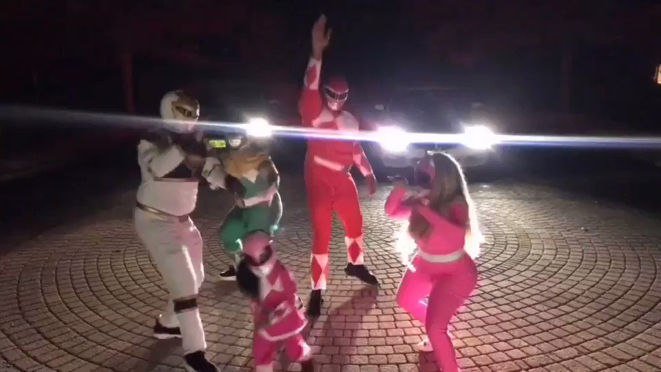 Go Go Power Rangers ⚡️It's morphing time ???? https://t.co/Ey88DhsX8P