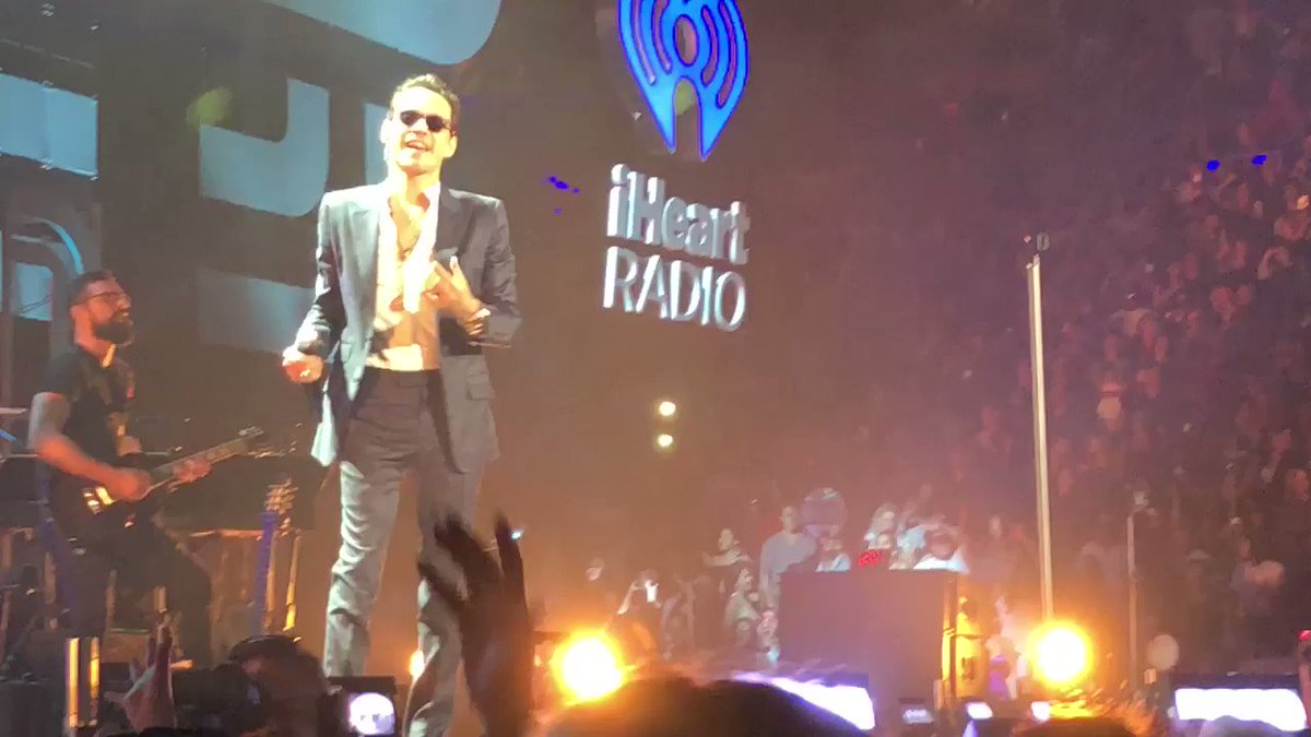 RT @iHeartRadio: Can't get over this @MarcAnthony performance ❤️❤️ #iHeartFiesta https://t.co/YzghRsASbv