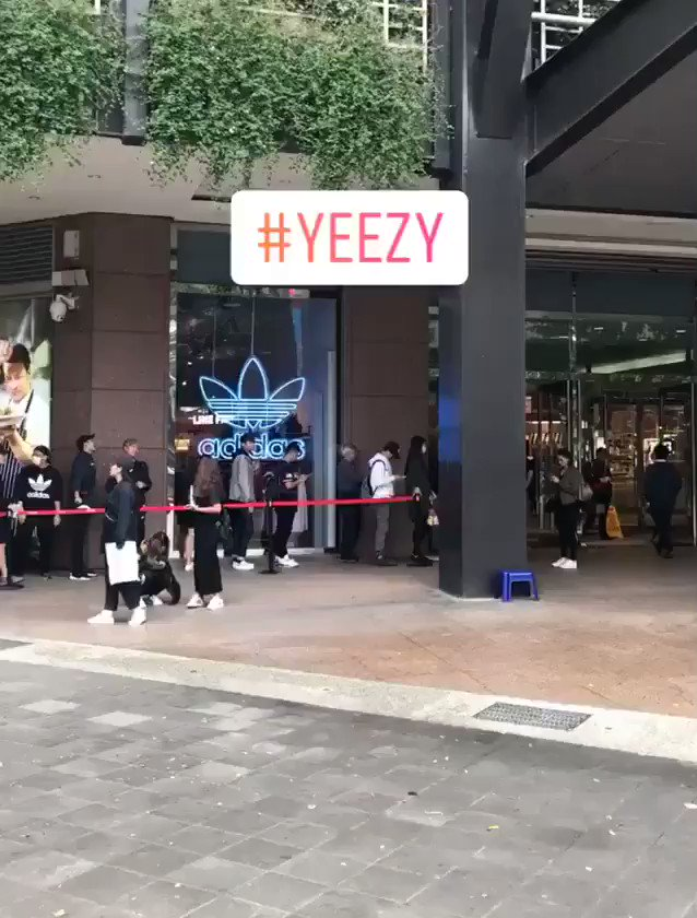 RT @TeamKanyeDaily: Looks like Yeezy sneaker sales are doing just fine. Thank you, next. https://t.co/oSBFgJvNay