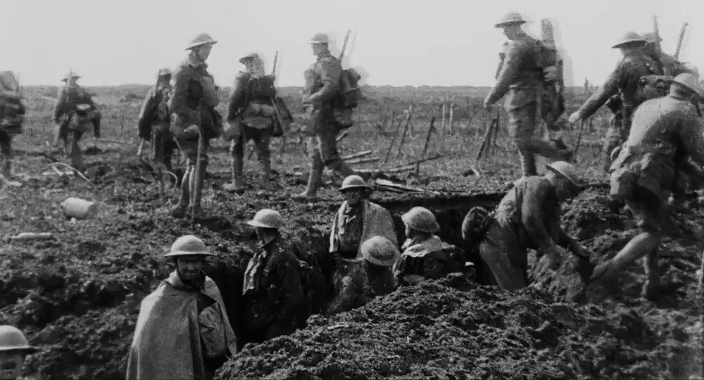 They Shall Not Grow Old, the First World War film by Peter Jackson is airing on @BBCTwo at 9.30pm on 11 Nov #ArmisticeDay and then available on @BBCiPlayer  A special behind the scenes show on the creation of the film will be aired on 12 Nov on @BBCFOUR at 19:30. https://t.co/8dTuzzjfbt