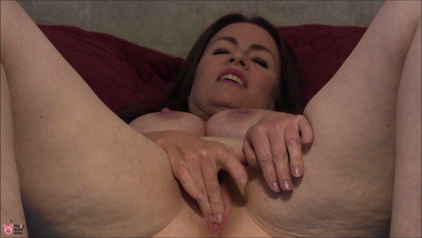 """Sexy Redhead Nikki Anal Masturbation"" by NikkiNevada1 on 🐷 F6eGS2k1HI Fm7"