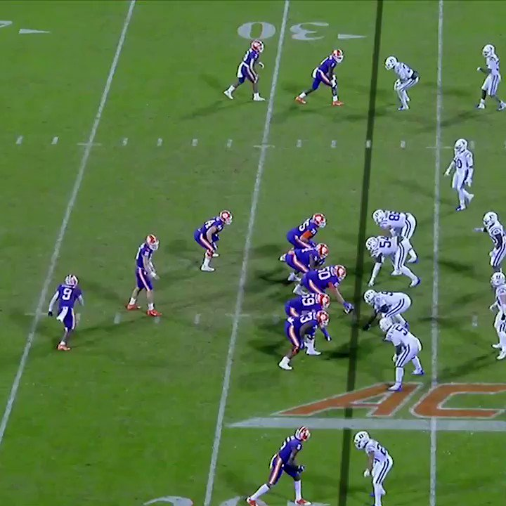 Travis Etienne scored the TD, then immediately ran to a group of military members on the sidelines to celebrate with them 👏 https://t.co/WQErgv69BL