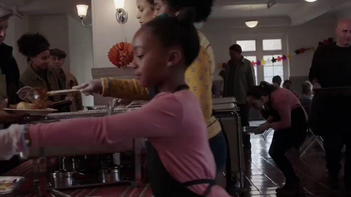 Join us for a very special Thanksgiving. Tonight. ❤️ #ThisIsUs https://t.co/0rjCMcCOys