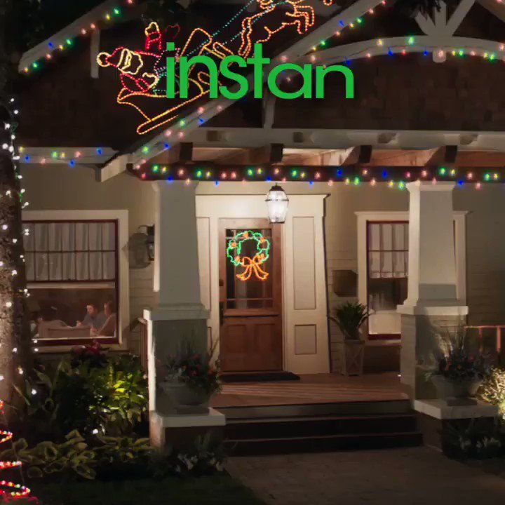 TGIF! Go see #InstantFamily this weekend and get yourself in the holiday spirit! ????❤️ https://t.co/8dt1qtsoVy https://t.co/gGCnmtQwqW