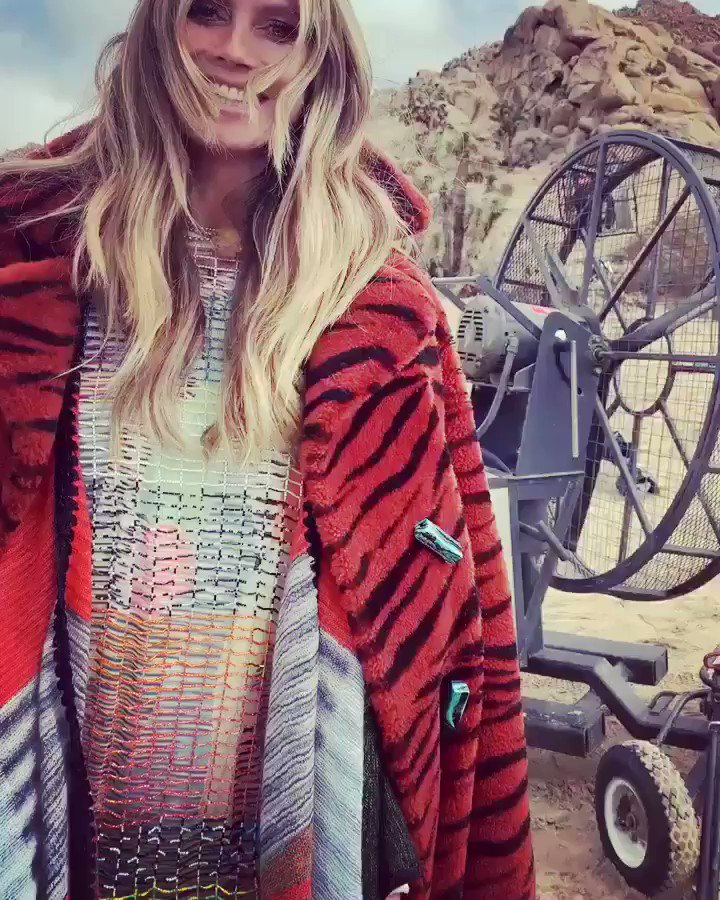 Shooting in the desert today ..... ????????❤️???? .......ready for the weekend ???? #TGIF  #MISSONI @MISSONI https://t.co/QrdWp3Qrlw