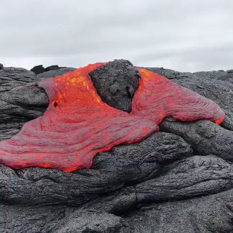 RT @i_iove_nature: I want to touch the lava so bad ... but I would be setting a bad example. https://t.co/FztcIZY4ft