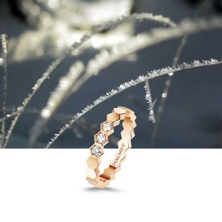 As a winter wind gently blows, let the rose gold Bee My Love ring catch your eye. #ChaumetWishlist https://t.co/futObxf9wL