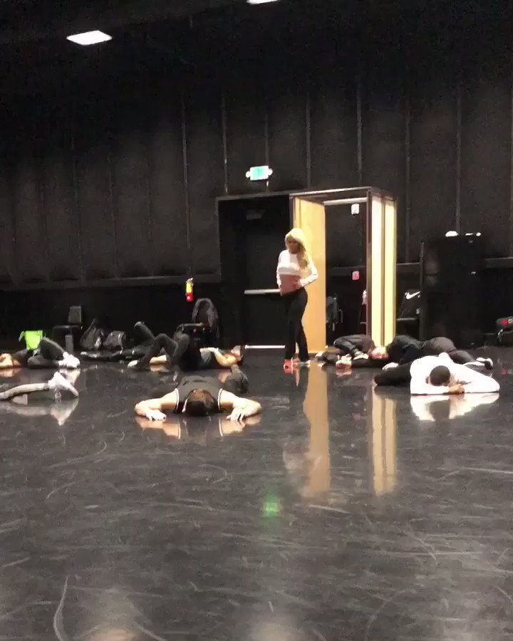 Working hard and having some fun in rehearsals with these amazing mates!! ???????????? #BritneyDomination https://t.co/8CBx6Q503i