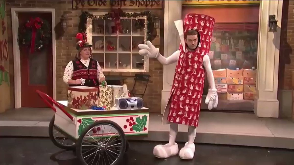 That time again. Bring it down to Wrappingville. #TBT @nbcsnl @jimmyfallon https://t.co/iK8rJMXMcS
