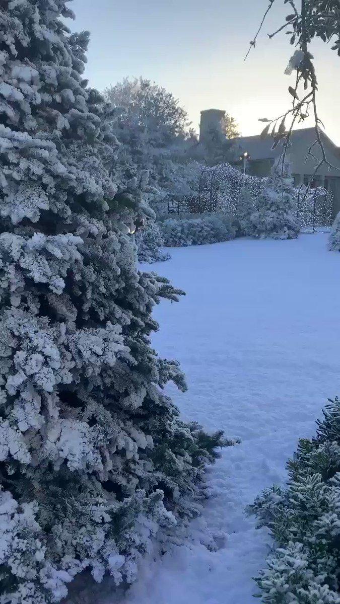 Kardashian West Jenner Christmas Eve Party starts soon ❄️❄️❄️ #NorthPole #WinterWonderland https://t.co/O2efL6KlVf