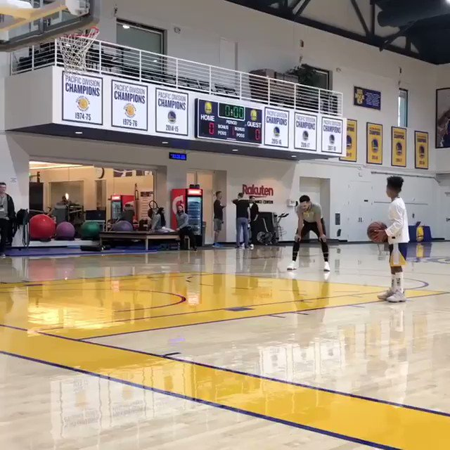 Taking flight in 2019 like!!! ???????????? Big love to @StephenCurry30 and @ayeshacurry #bestdayofegyptslife !! ???????????????????????????????????? https://t.co/DUQN0GQmJQ