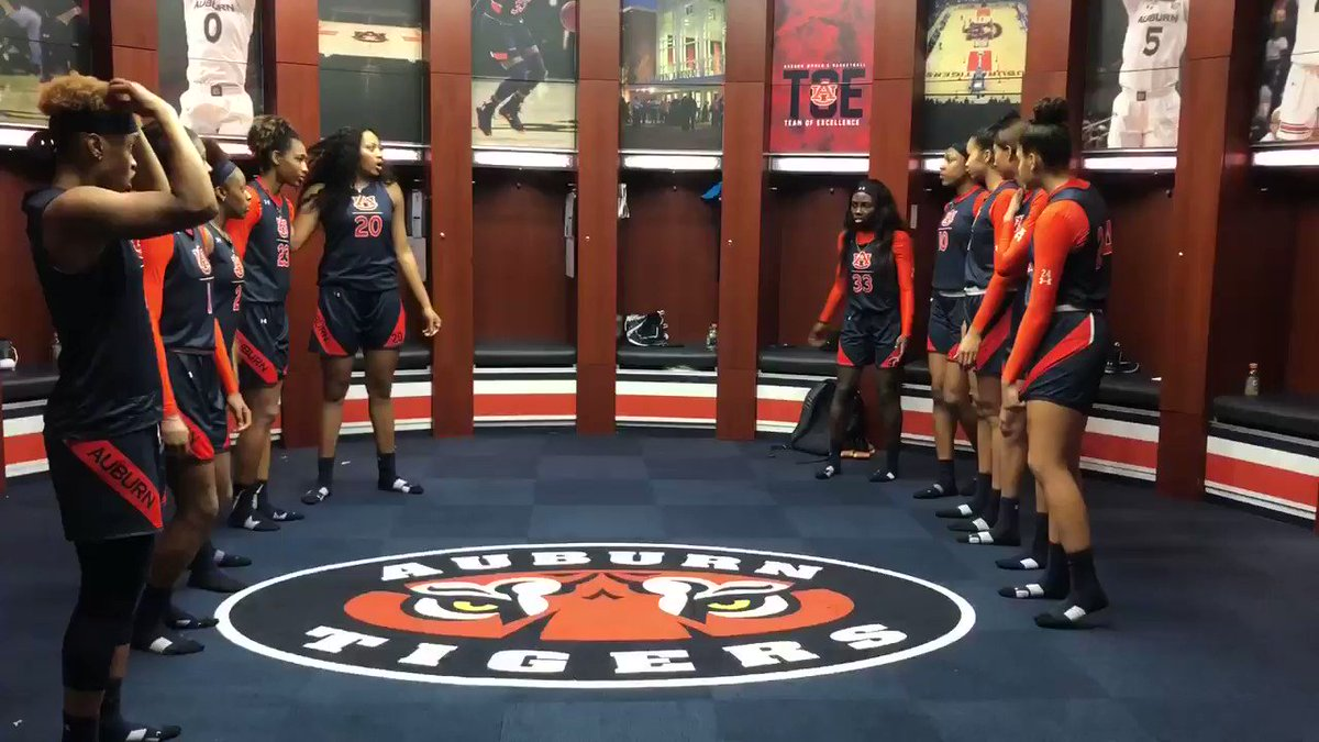 RT @ncaawbb: Anybody tryna challenge @AuburnWBB to a dance off?   Let's see whatcha got! ????  #ncaaW https://t.co/NrAwnWc4Pf