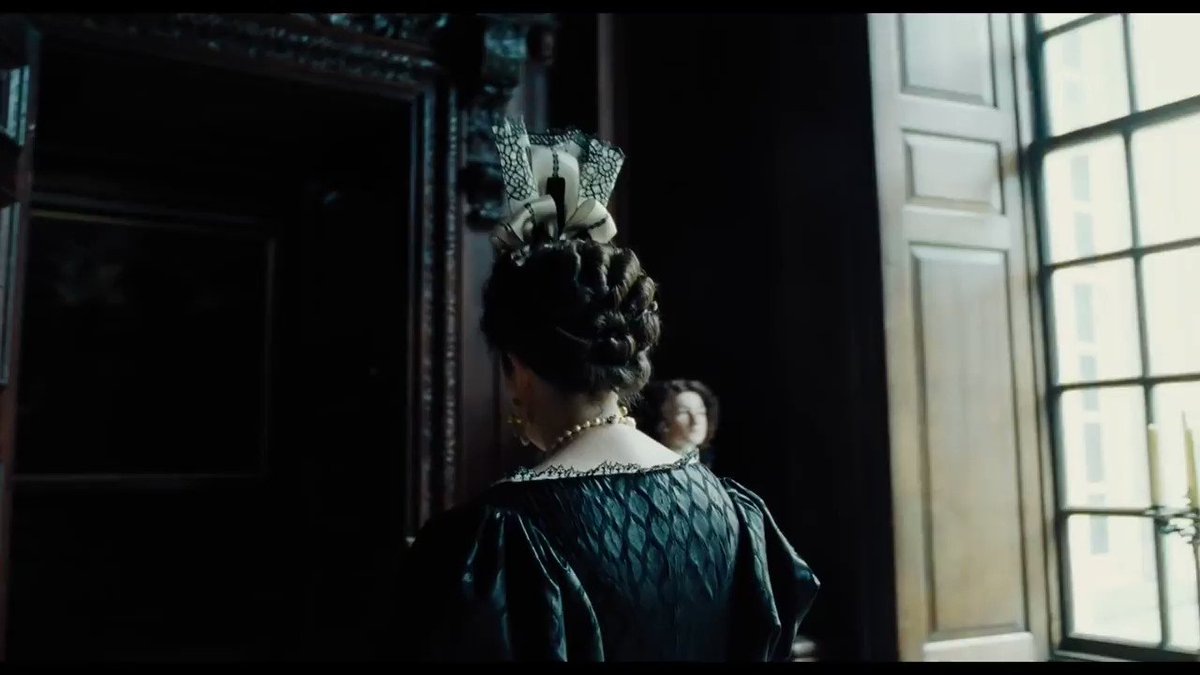 RT @NotAgainBen: Olivia Colman should win the Oscar for this 13 seconds alone https://t.co/qyMPqf3KzV