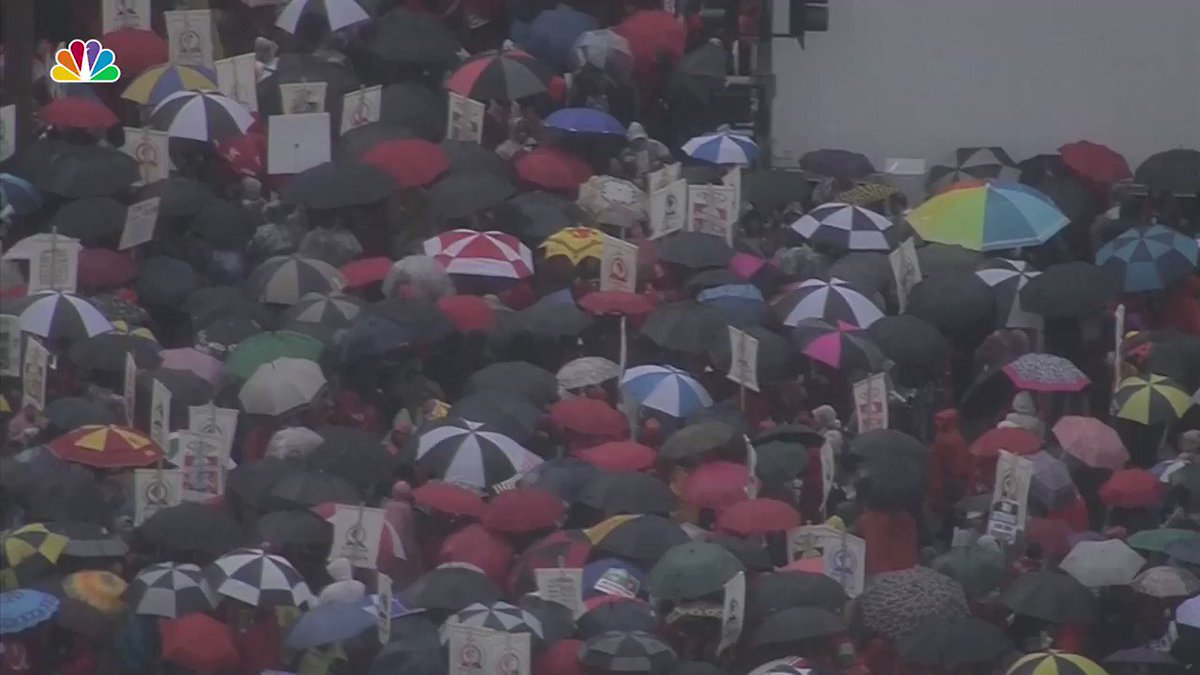 At least 20,000 teachers and students are marching in downtown Los Angeles!  #LAUSDStrike https://t.co/3Ybd4PFtp6