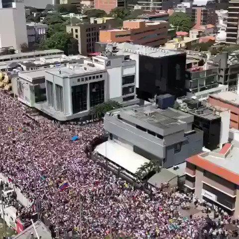 #Venezuela. El mundo observa. No más dolor. Justicia y paz YA. LEVANTA LA VOZ. ESTAMOS CONTIGO. ???????? https://t.co/63caK7UcM5