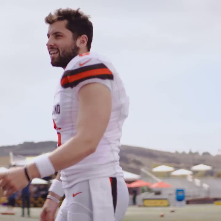 RT @theSamMad: That feeling when a quarterback isn't on your draft radar #Browns  https://t.co/5bJfAfhpAW