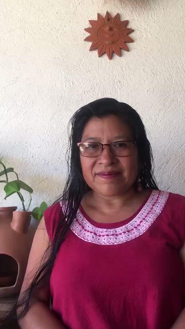 """""""Hay que respetar, entender y escuchar las diferentes lenguas...""""  Engracia nos comparte algunas palabras en Ayöök y español; ella forma parte de Kumoontun. https://t.co/8hz94MGu6i"""