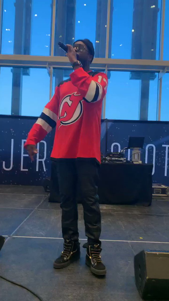Soundcheck vibes for tonight's performance !!! @NHL @NJDevils https://t.co/liTRRxOUVb