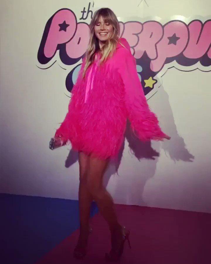 Loving all the girl power at @christiancowan #fashionshow #ccxppg #empowerpuff #internationalwomensday ???? https://t.co/kuoBUDIeXo