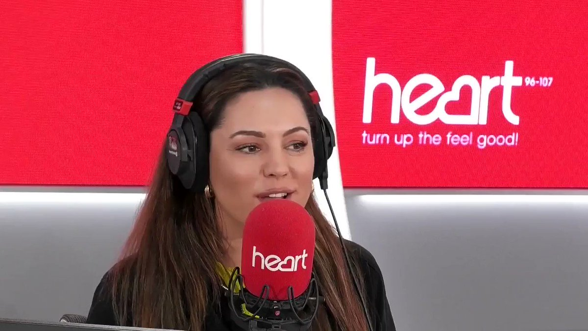 RT @thisisheart: That's what co-hosts are for @jkjasonking @IAMKELLYBROOK ???????????? #StormFreya https://t.co/ylmZuKiJBm