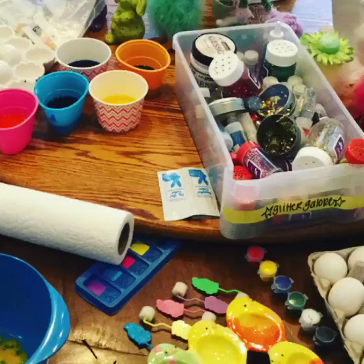 Easter egg painting today ???????????????????????????????????? https://t.co/LlPqg3IkCD