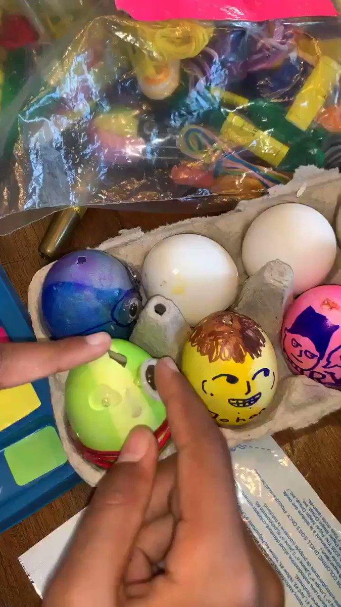 Easter egg painting today ???????????????????????????????????? https://t.co/ELcTVbN52i