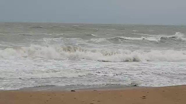El mar, la mar, tiene algo que decir 🌊  #vinaros #castellon #comunidadvalenciana #mar #elmar #lamar #brave #beach https://t.co/DsDQ2zVHpn
