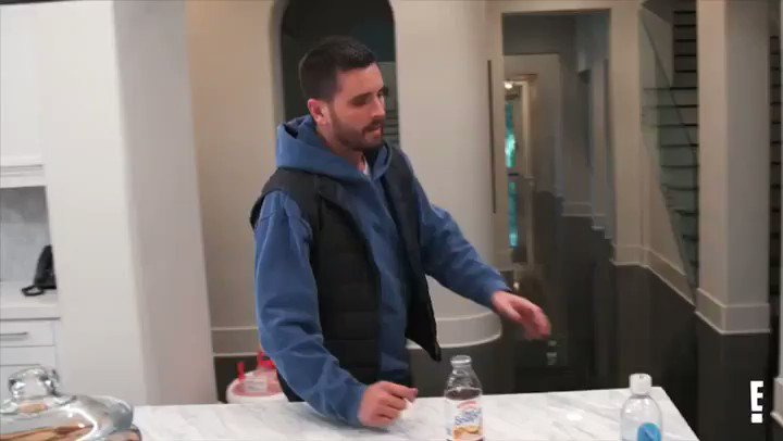 Tonight on a brand new #KUWTK https://t.co/pgyamcNxgY
