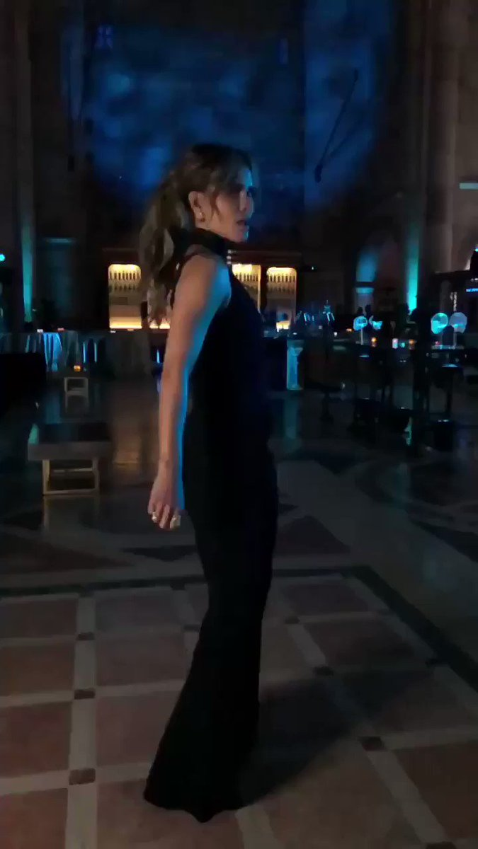 FEELIN' THIS. @JohnWickMovie   #Cushnie #SaraTess #JorgeMonroy #LindsayFlores #MargoSiegelPR https://t.co/w5vqRO04sJ