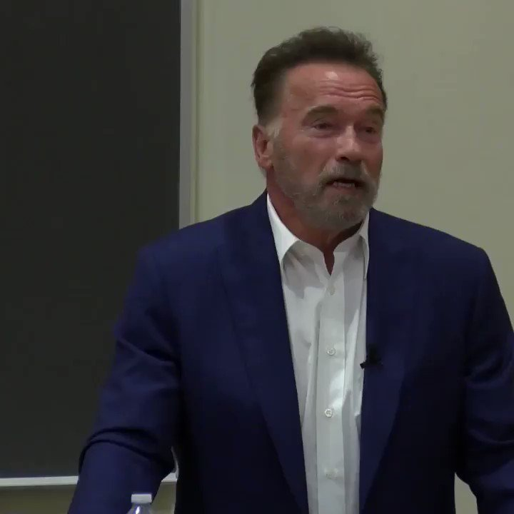 RT @GovArnoldUSC: Professor @Schwarzenegger talks bipartisanship ✏️✏️. #PPD499 https://t.co/KUPZ9CoOSz