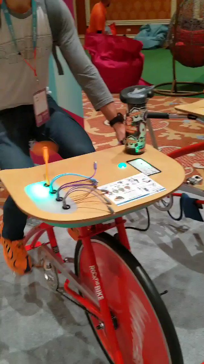 philwinkle: The recharge booth has spin desks and HOW COOL IS THIS?!?!!nn#MagentoImagine https://t.co/u9aiiaj2Fs
