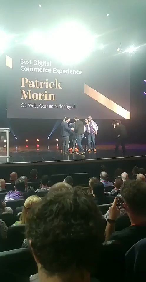 BarrettAll: This award show music has me hype. Sound ON. 🎉🎷 #MagentoImagine https://t.co/nEncP9zoy5