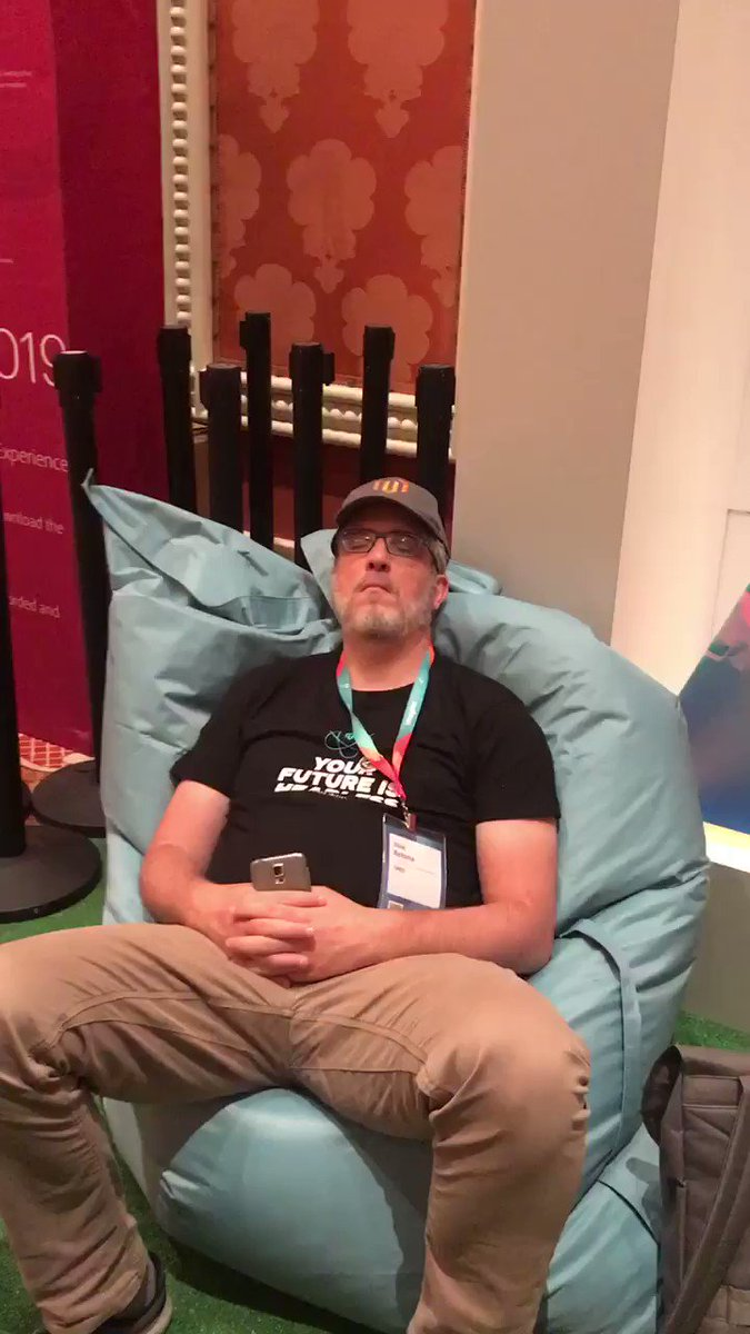 _Talesh: You all have one guess as to what @jissereitsma has been doing at #MagentoImagine https://t.co/Zhj2yaypl1